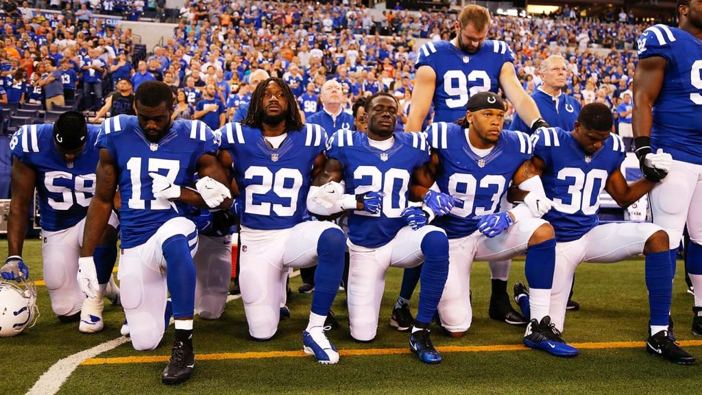 PETITION: 100.000 Signatures to Fire NFL Players Who Protest the National Anthem